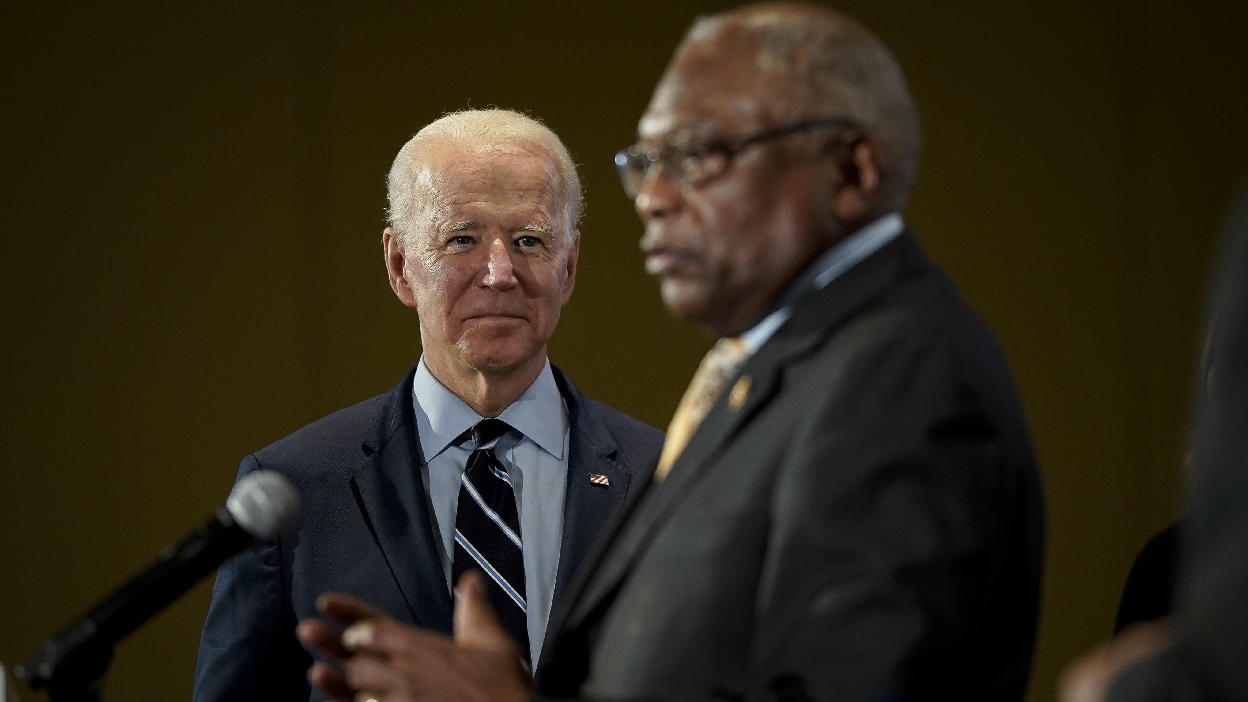 Joe Biden Gets Boost With Endorsement Of Influential South Carolina Democrat