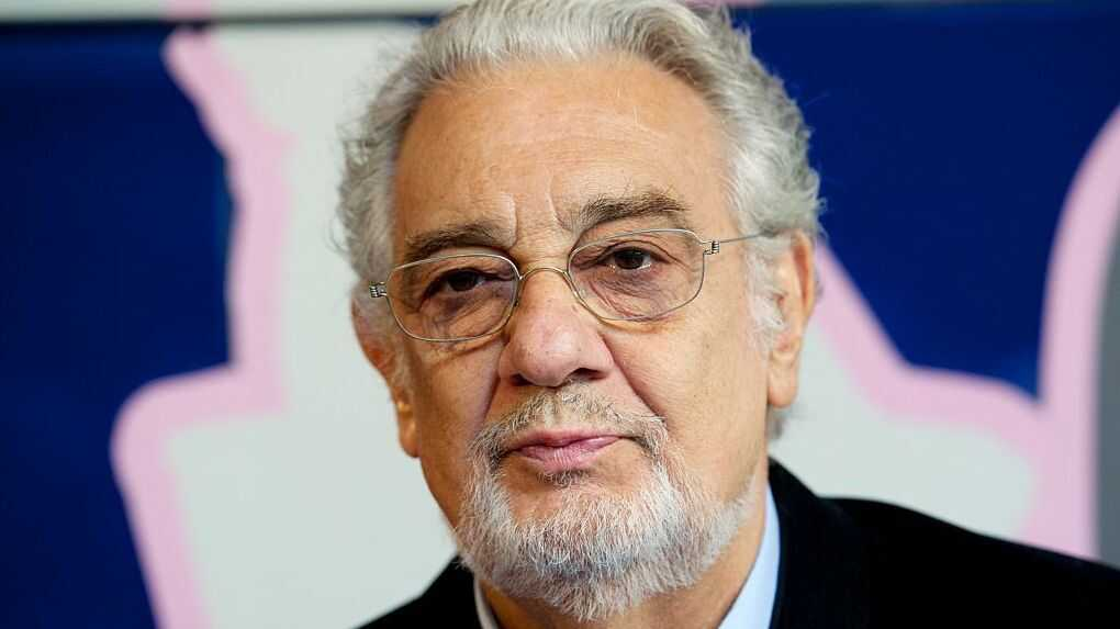 Plácido Domingo Backpedals On Public Apology; Meanwhile, Union Seeks Leakers