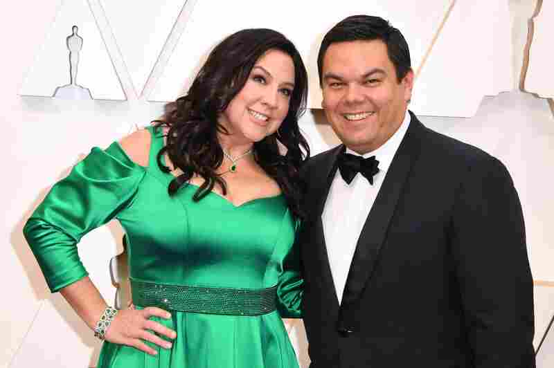 US songwriter Kristen Anderson-Lopez (L) and US songwriter Robert Lopez arrive for the 92nd Oscars at the Dolby Theatre in Hollywood, California on February 9, 2020. (Photo by Robyn Beck / AFP) (Photo by ROBYN BECK/AFP via Getty Images)