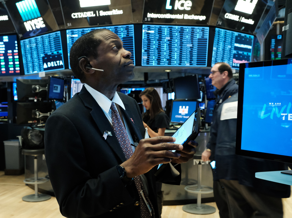 U.S. stock indexes rose sharply on Monday in anticipation of the Federal Reserve's interest rate cut, but stocks fell again on Tuesday after the Fed acted. (Spencer Platt/Getty Images)
