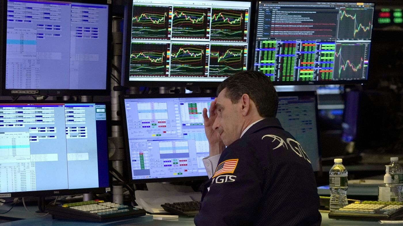 Dow Drops 1,000 Points As Stock Market Turmoil Continues : NPR