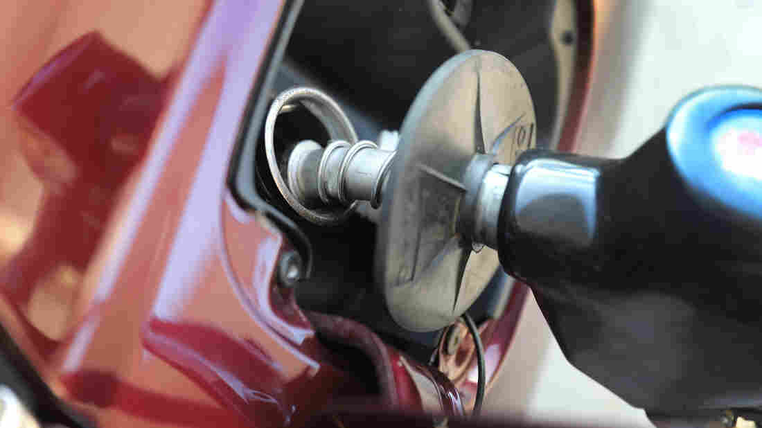 Gas prices drop to $2.11 per gallon in Madison-area