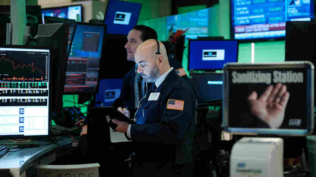 NYSE takes traders' temperatures before they enter exchange