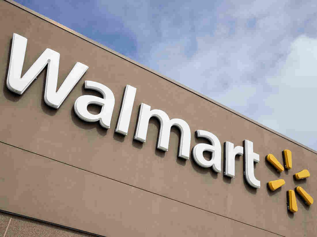 Walmart hiring 150,000 people to help keep up with demands