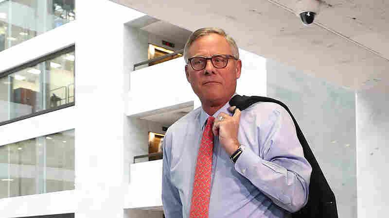 Weeks Before Virus Panic, Intelligence Chairman Privately Raised Alarm, Sold Stocks