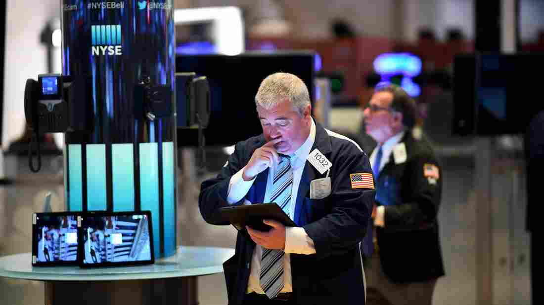 U.S. stocks plunge as traders fear coronavirus will cause deep recession