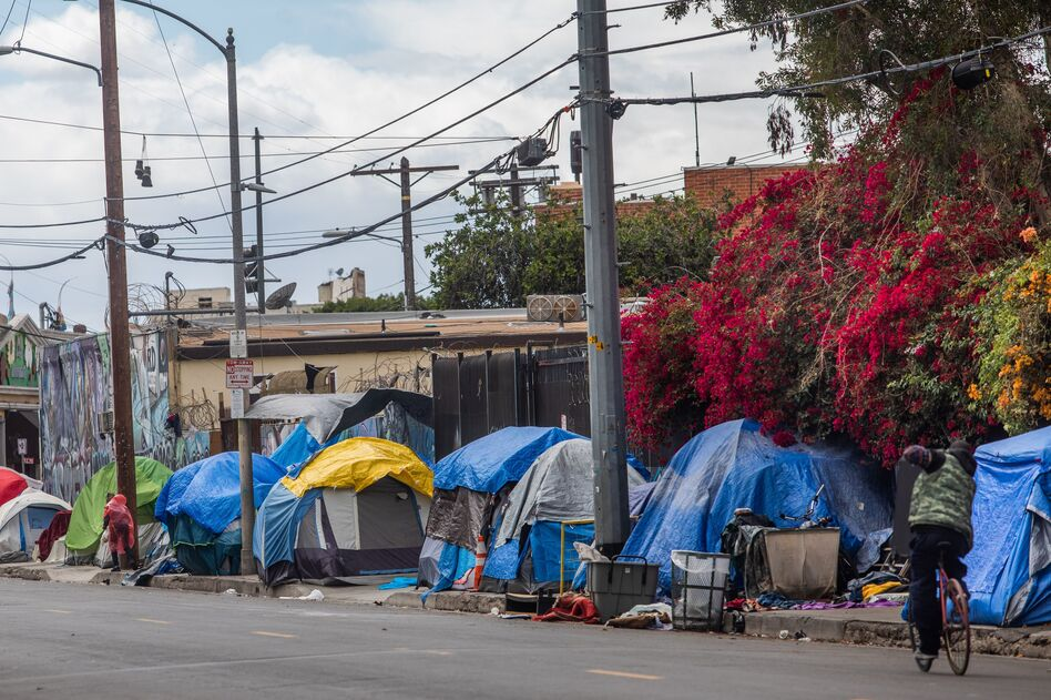 Tents on San Julian Street in downtown Los Angeles on March 19, 2020. (Apu Gomes/AFP via Getty Images)