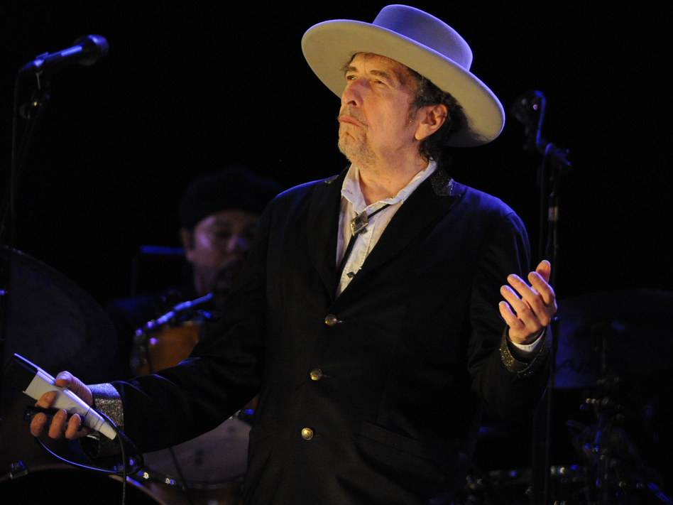 """Bob Dylan's new single, """"Murder Most Foul,"""" is 17 minutes long and references more than 70 songs. We made a playlist of them all. (Fred Tanneau/AFP via Getty Images)"""