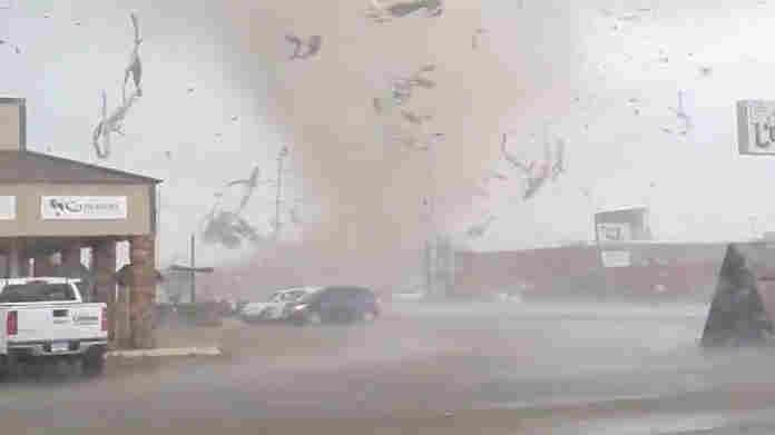 Tornado Strikes Arkansas City; Officials Say Pandemic Closures Kept People Safe