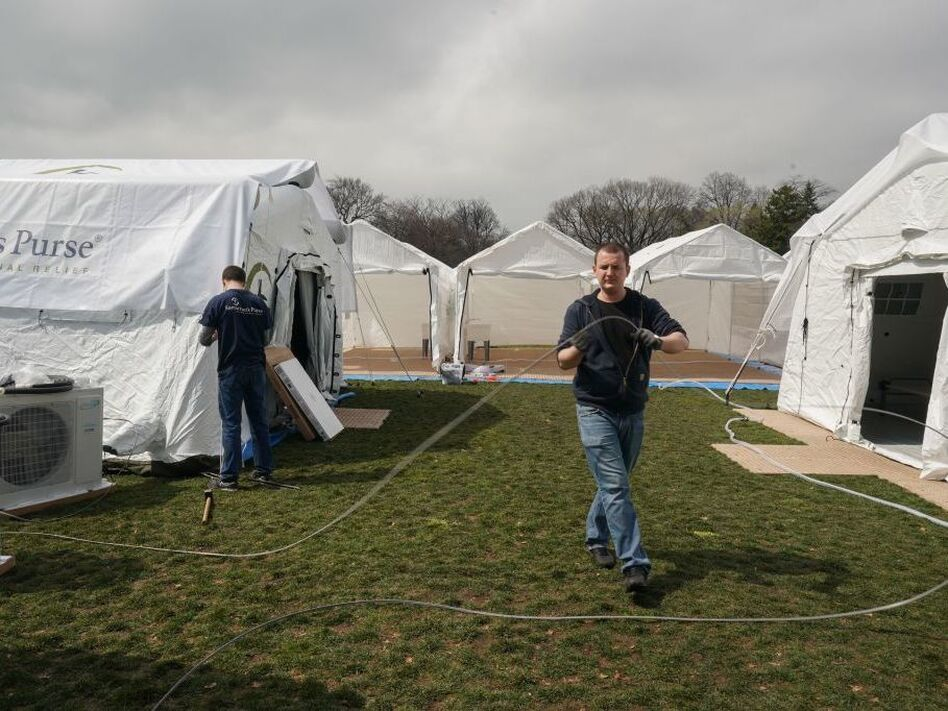 Volunteers from the relief organization Samaritan's Purse set up an emergency field hospital in New York's Central Park on Monday. (Bryan R. Smith/AFP via Getty Images)