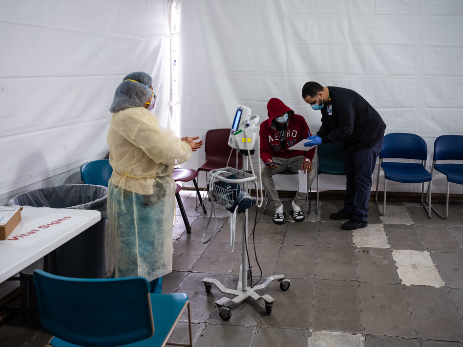 A spokesperson for St. Barnabas Hospital said Monday that it takes four to six days for the hospital to receive coronavirus test results. (Misha Friedman/Getty Images)
