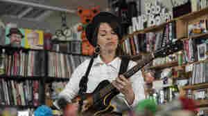Jesca Hoop: Tiny Desk Concert