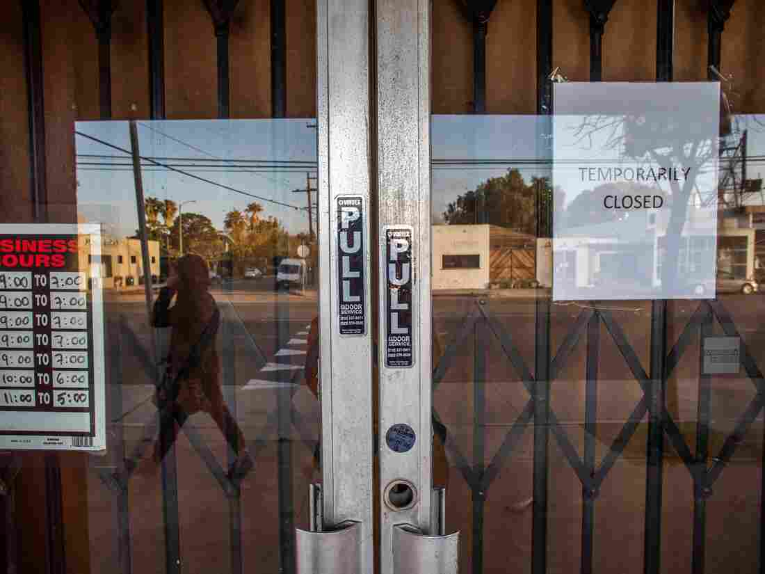 A framing art gallery is closed in Venice Beach, California' during the COVID-19 novel coronavirus on April 01, 2020. (Photo by APU GOMES/AFP via Getty Images)