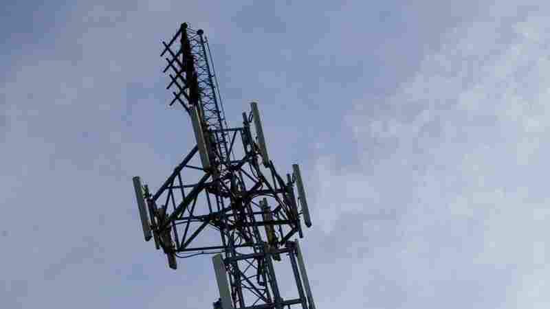 U.K. Cellphone Towers Ablaze As Conspiracy Theories Link 5G Networks To COVID-19