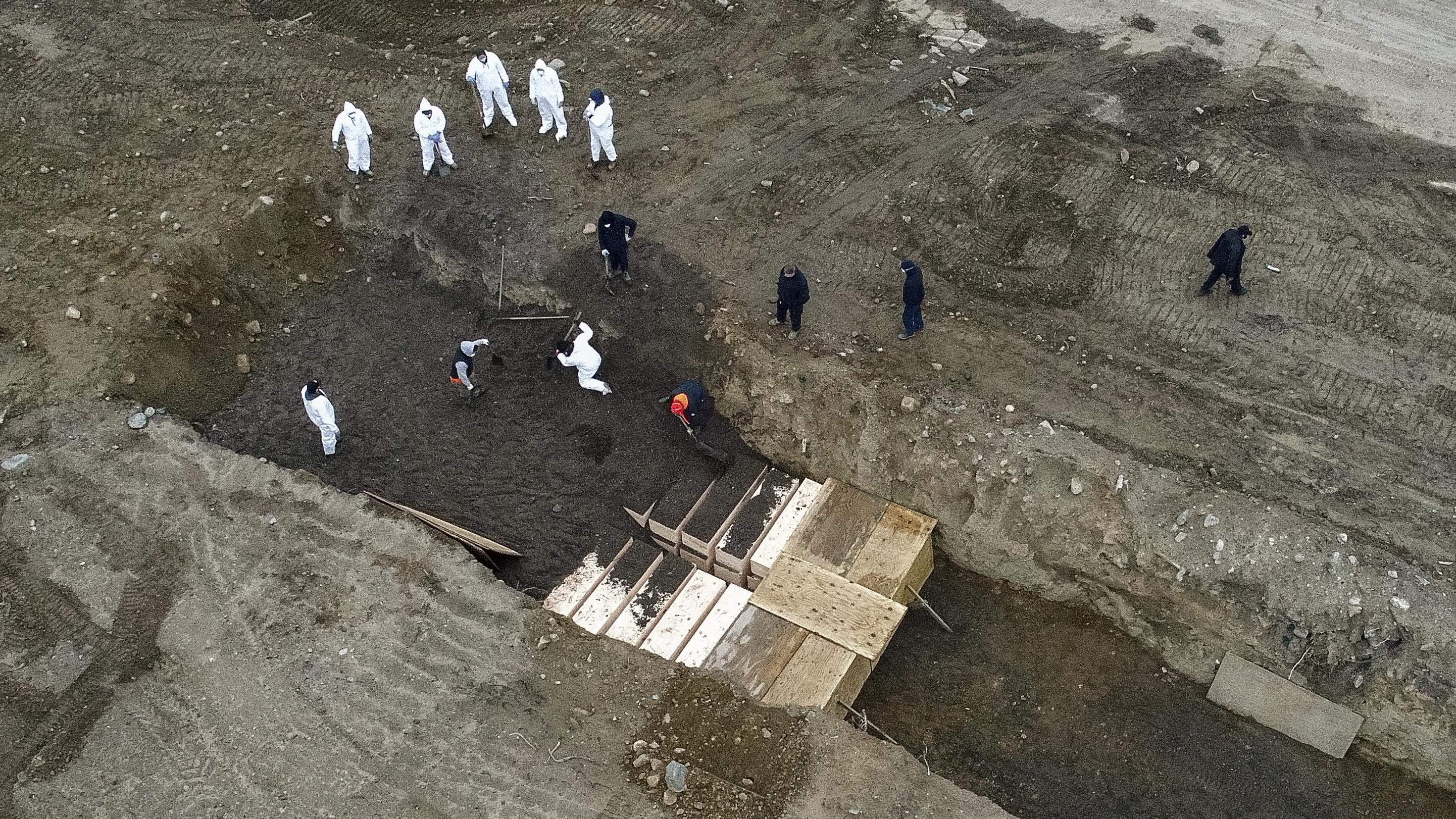 New York City Mass Graves On Island Are Increasing Because Of COVID-19 :  Coronavirus Updates : NPR