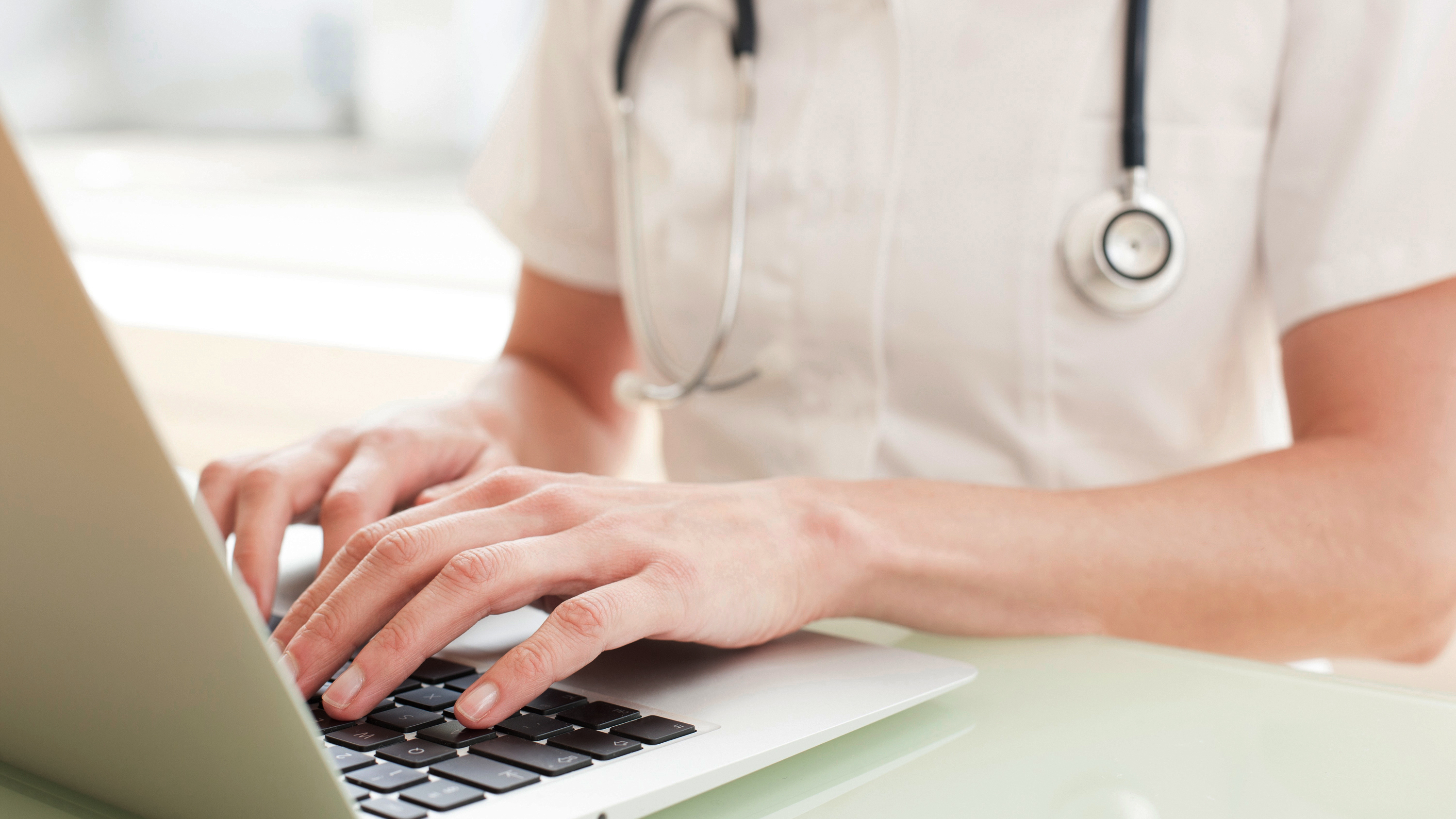 A January report found that 40% of U.S. counties don't have a single health care provider approved to prescribe buprenorphine, a medicine integral to helping many patients beat opioid addiction. Permitting more-distant doctors to evaluate patients online and prescribe the medicine is a welcome advance, say addiction specialists.