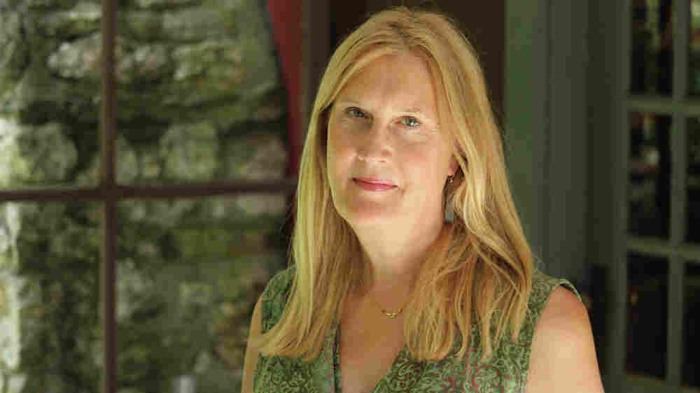 'I'm Living In The World With No Secrets,' Says Trans Activist Jennifer Finney Boylan