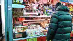 In Italy, 'Suspended Shopping' Helps Those Facing Economic Hardship During Pandemic