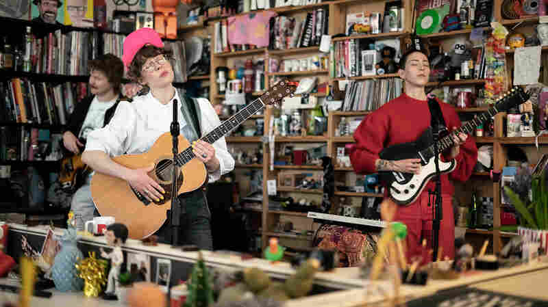 Watch Daughter Of Swords Play The Tiny Desk