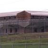 Prisões lotadas estão apodrecendo 'placas de Petri' para coronavírus, alertam observadores