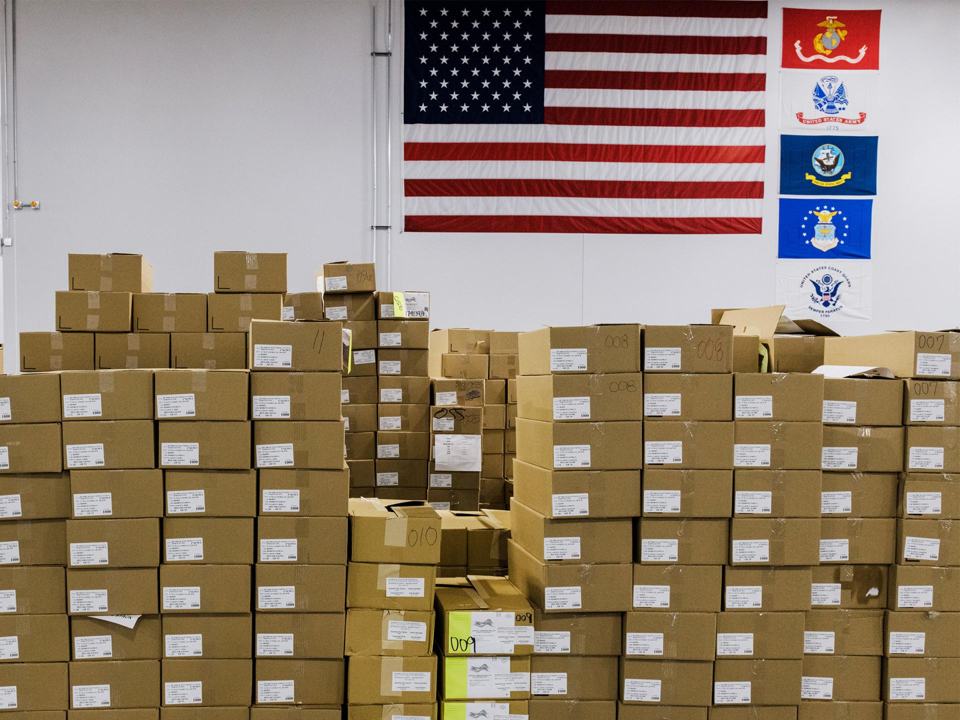 Les services électoraux de Runbeck impriment, trient et compilent les bulletins de vote postal pour les élections à travers le pays. Ce lot comprenait
