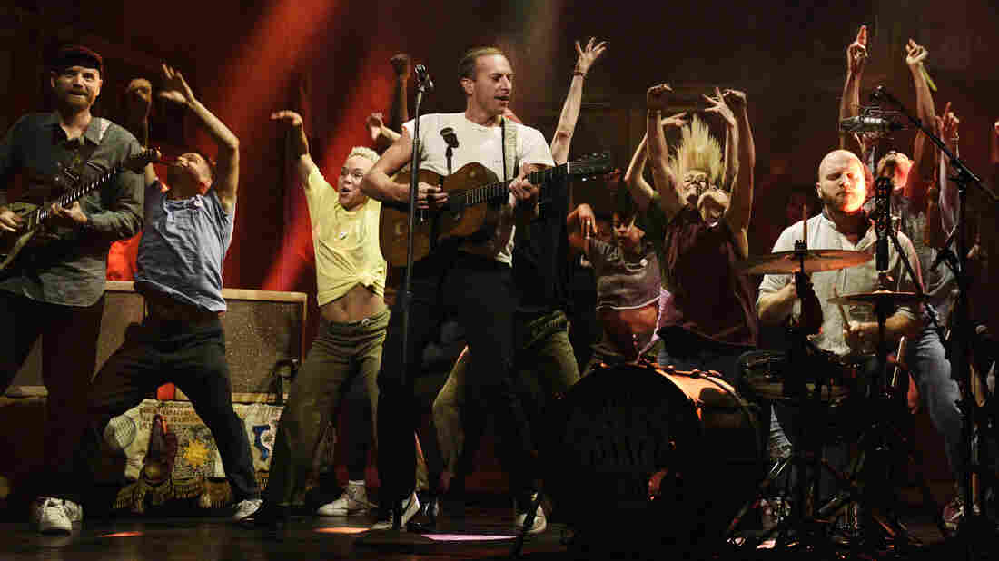 """SATURDAY NIGHT LIVE — """"Kristen Stewart"""" Episode 1772 — Pictured: Musical guest Coldplay performs on Saturday, November 2, 2019 — (Photo by: Will Heath/NBC/NBCU Photo Bank via Getty Images)"""