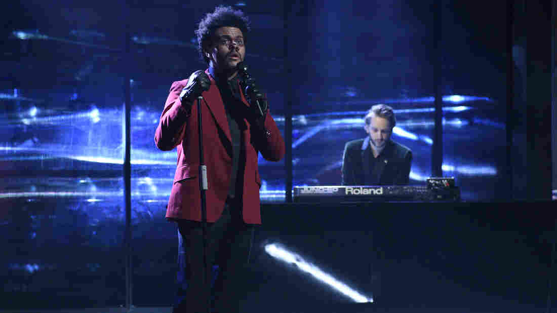 """SATURDAY NIGHT LIVE — """"Daniel Craig"""" Episode 1782 — Pictured: Musical guest The Weeknd performs on Saturday, March 7, 2020 — (Photo by: Will Heath/NBC/NBCU Photo Bank via Getty Images)"""