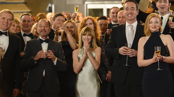 Les acteurs de la deuxième saison de Succession n'ont aucune idée de la chanson inoubliable qu'ils s'apprêtent à entendre.