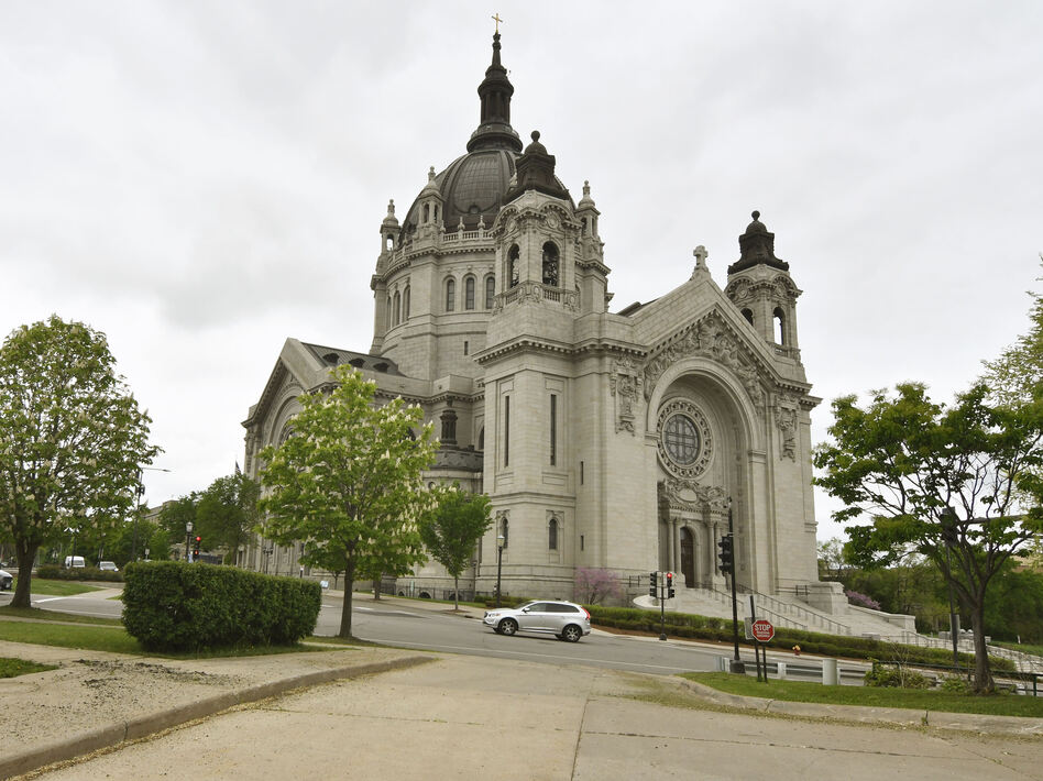 Roman Catholic and Lutheran Church-Missouri Synod congregations in Minnesota plan to resume worship services in defiance of the state's ban on gatherings of more than 10 people. (Jim Mone/AP)