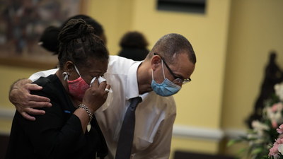 This Is What It Looks Like To Mourn A Mother During The Coronavirus Pandemic