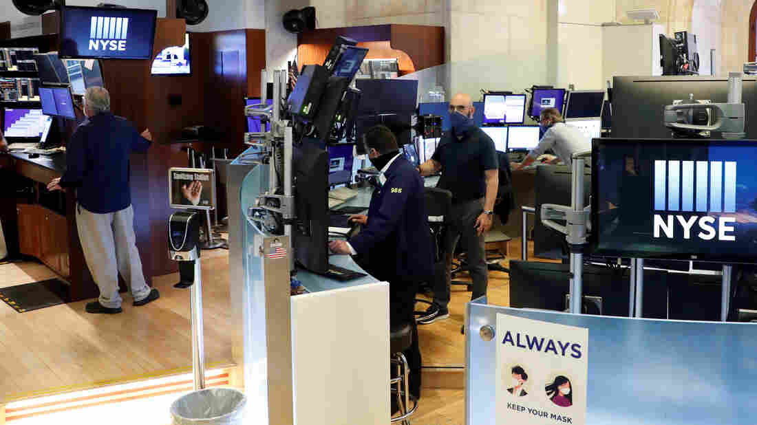 NYSE trading floor partially reopens after coronavirus closure