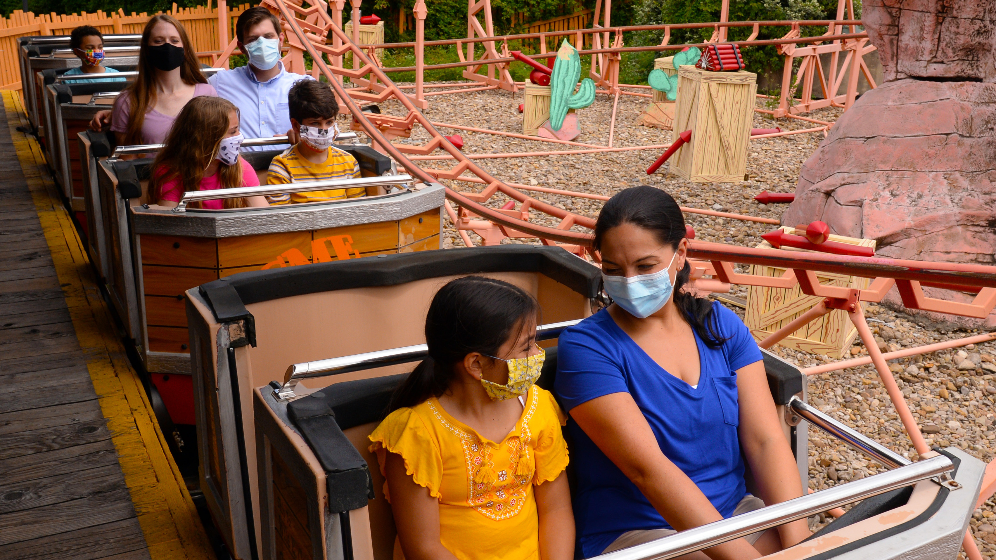 Six Flags Will Reopen Its First Park On June 5 Requiring Masks And Health Checks Coronavirus Updates Npr