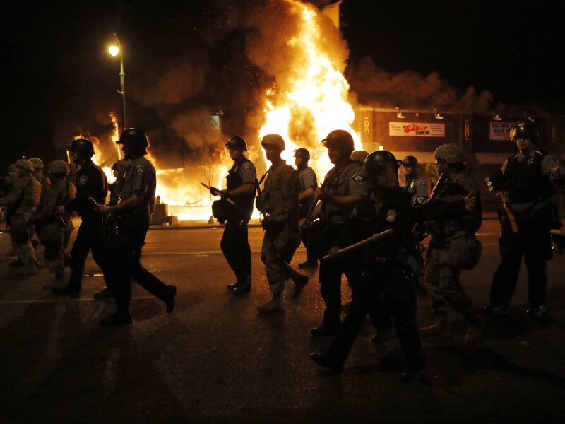 Pentagon Orders Military Police Units to Prepare to Deploy to Minnesota After Violent Protests