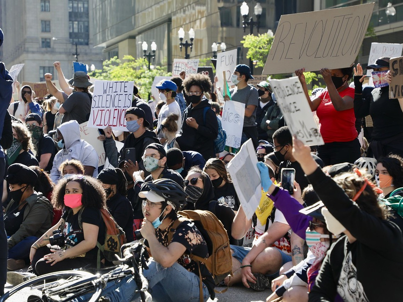 Protests on Saturday, May 30, in Chicago after the death of George Floyd. Public health officials are concerned gatherings could spread COVID-19, but say time will tell. Katherine Nagasawa/WBEZ