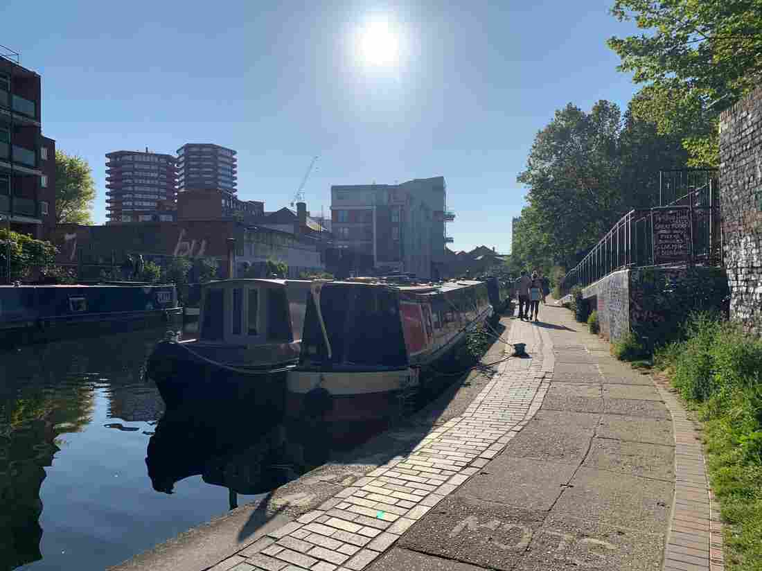 For U.K. Canal Boat Dwellers, Lockdown Can Be Claustrophic — But Also Offers Escape 3
