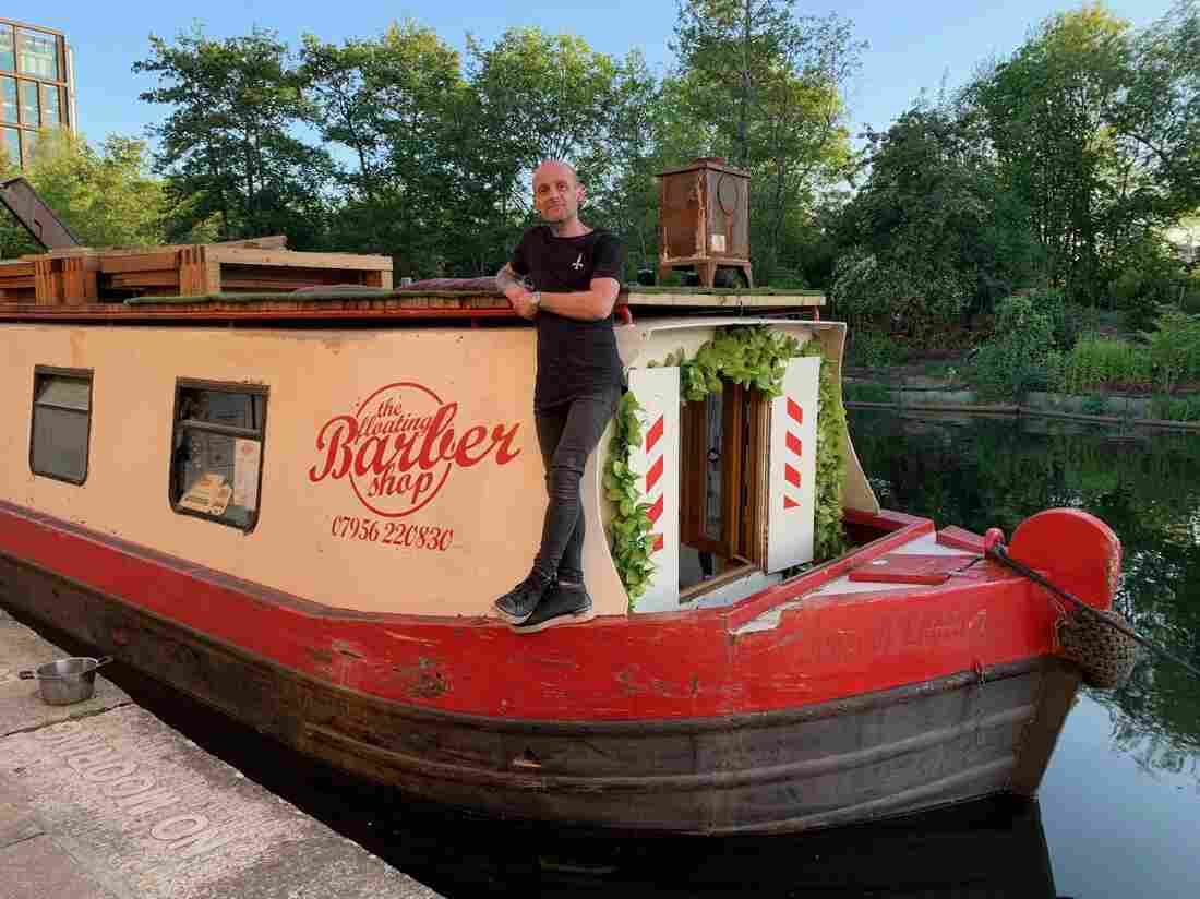 For U.K. Canal Boat Dwellers, Lockdown Can Be Claustrophic — But Also Offers Escape 4