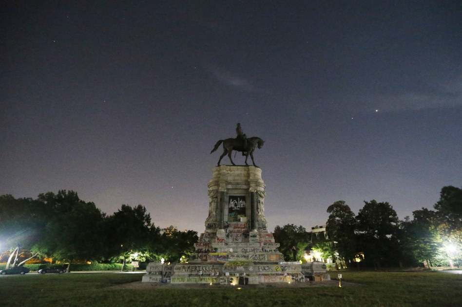 Virginia Gov. Ralph Northam has ordered the removal of a statue of Confederate Gen. Robert E. Lee on Monument Avenue in Richmond, Va. (Steve Helber/AP)