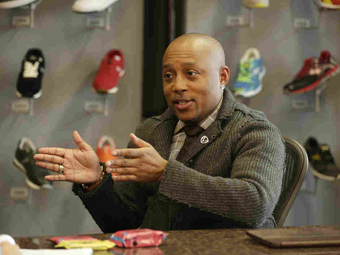 """BEYOND THE TANK - """"Episode 104"""" - As the entrepreneurs chase their American dream, Kristina Guerrero of LaPine, Oregon, the CEO and founder of Turbopup, a complete canine meal protein bar from Season Six, travels to New York to seek advice from Daymond John. (Photo by Patrick Harbron/Walt Disney Television via Getty Images via via Getty Images) DAYMOND JOHN"""