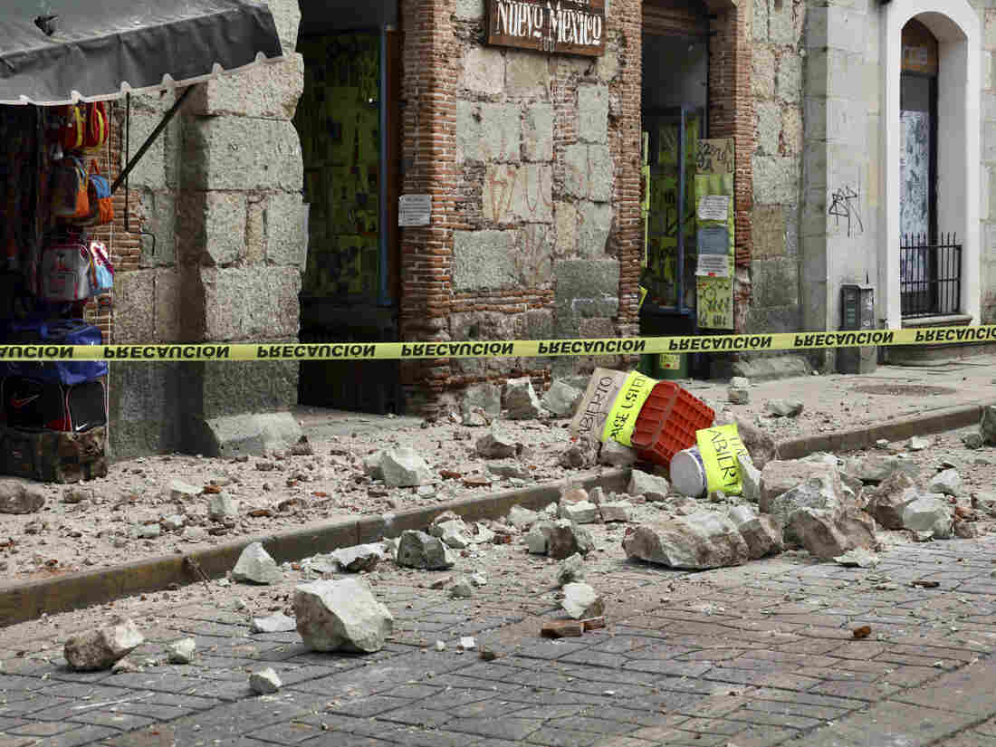 M7.4 quake jolts Mexico