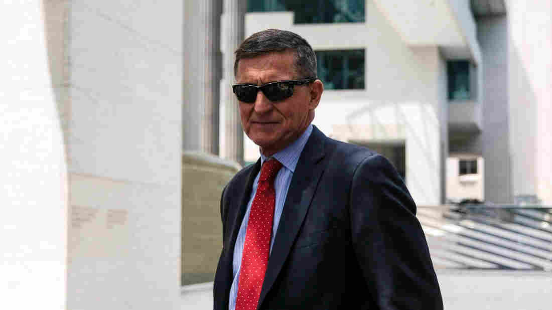 Appeals court orders judge to dismiss Michael Flynn case