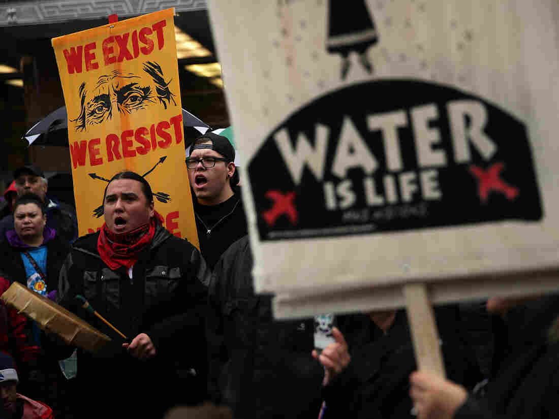 Judge suspends Dakota Access pipeline over environmental concerns