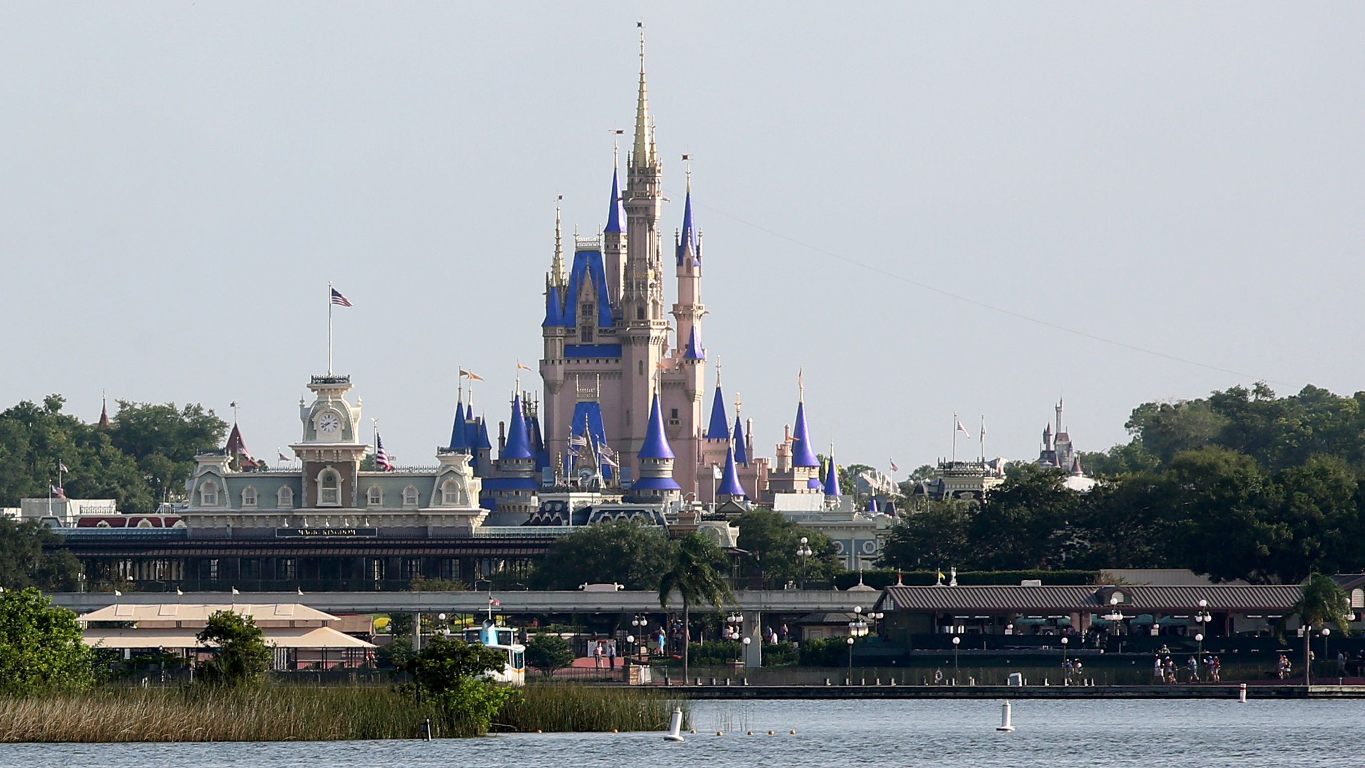 npr.org - Wynne Davis - Masks And Mouse Ears: Disney World Reopens As Coronavirus Cases Climb In Florida