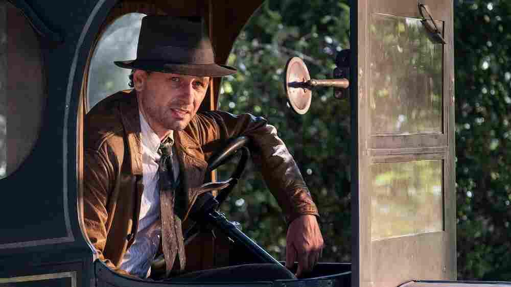 In 'Perry Mason,' Matthew Rhys Lives Out His Boyhood Noir Fantasies