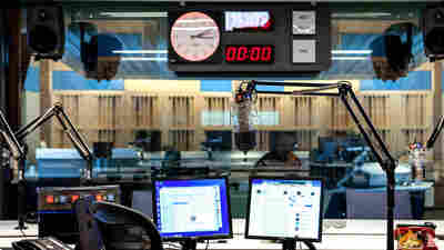 NPR Radio Ratings Collapse As Pandemic Ends Listeners' Commutes