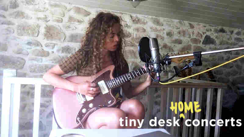 Nilüfer Yanya: Tiny Desk (Home) Concert