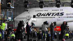 Qantas Retires Its Last 747 With A Dash Of Sky Art