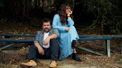 Bluegrass Sibling Duo Sean And Sara Watkins Returns As Watkins Family Hour