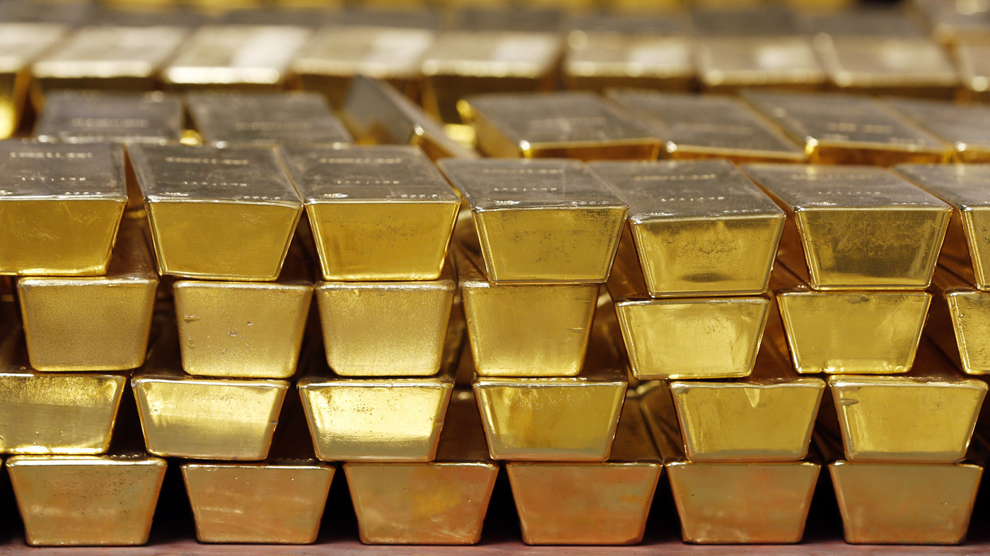 Gold Price Hits A Record High As Pandemic Drives Uncertain Outlook For Economy : Coronavirus Live Updates – NPR