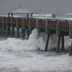 Tropical Storm Isaias Grazes Florida En Route To The Carolinas