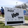 Votação drive-through?  Texas se torna criativo em sua corrida por locais de votação